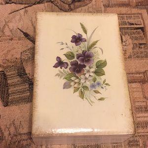 #238 Vintage Jewelry Box